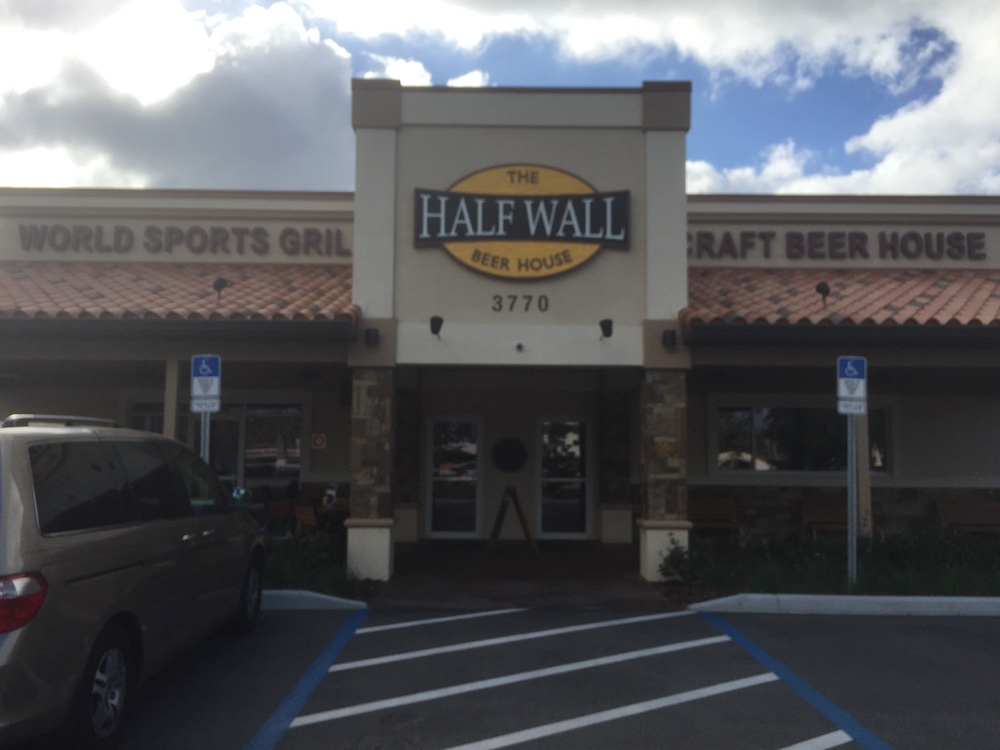 the-half-wall-craft-beer-house